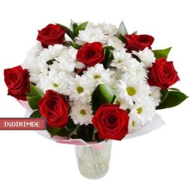 7 kırmızı gül ve 1 demet krizantem  Elazığ anneler günü çiçek yolla